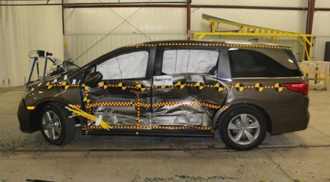 side impact safety honda odyssey safest minivan again in 2018 the car crash detective. Black Bedroom Furniture Sets. Home Design Ideas