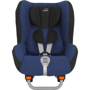 This is an example of a typical Swedish convertible car seat, the Britax Max-Wise. One of the closest US equivalents is probably the Clek Fllo. We'll discuss similarities and differences below.